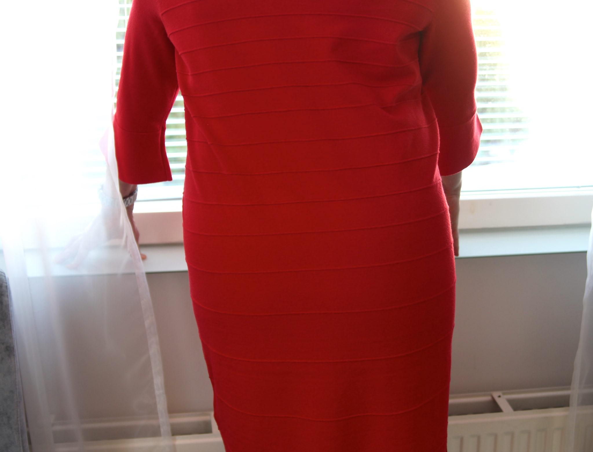 Ihastuttava alusvaatetrendi hurmasi naiset – rintojen luonnollinen muoto saa nyt näkyä