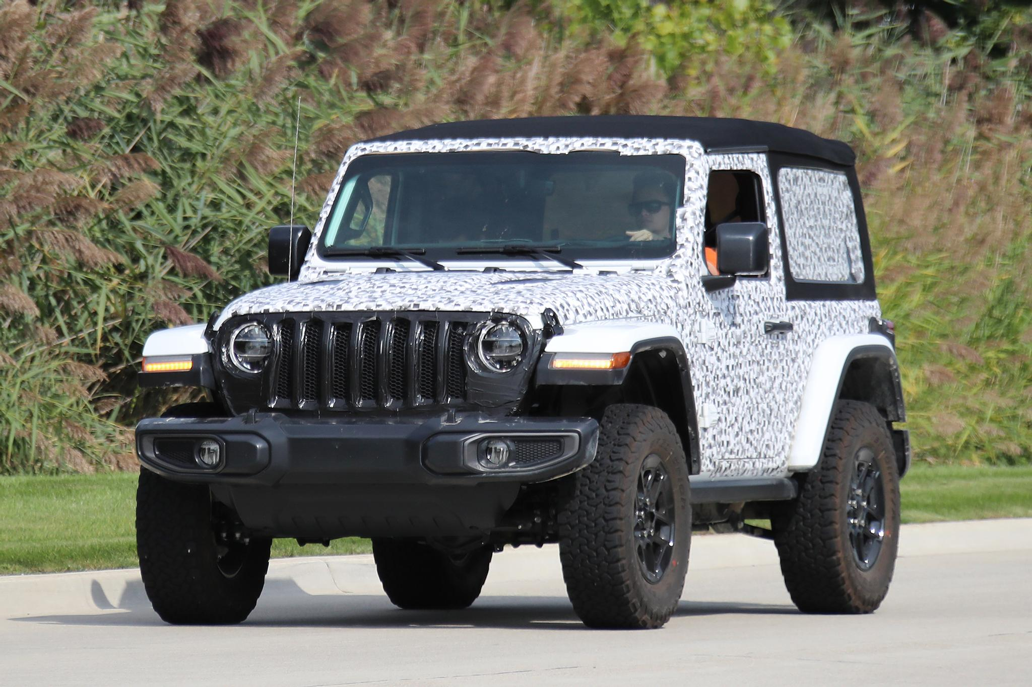 Jeep Wrangler Rims And Tire Packages >> Salakuvissa Uusi Jeep Wrangler Tuulilasi Tuulilasi