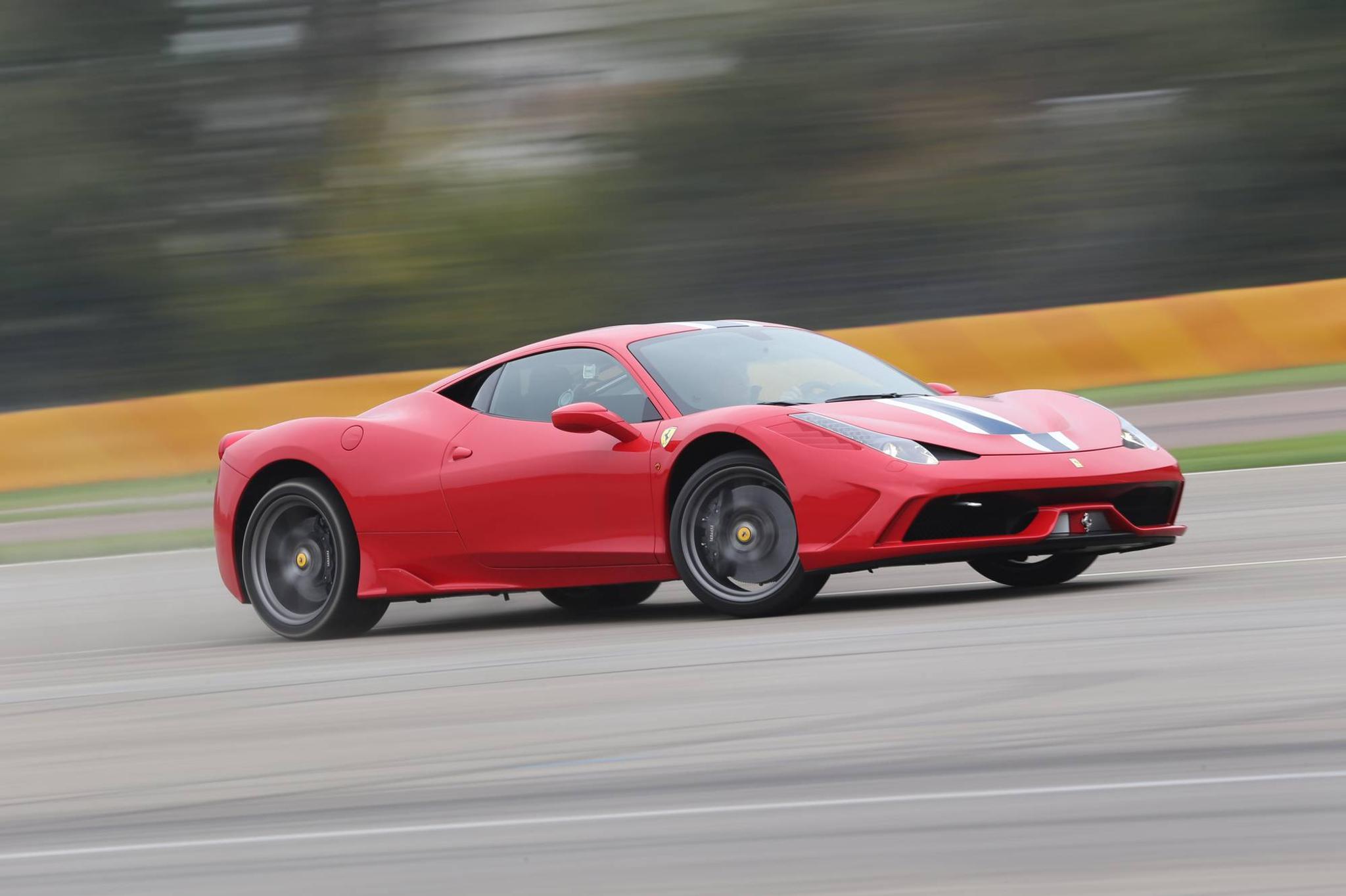 Ferrari 458 Speciale >> Nain Toimii Ferrarin Driftausavustin Koeajossa 458